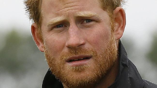 Harry hercegnek elege van a magánéletében vájkálókból